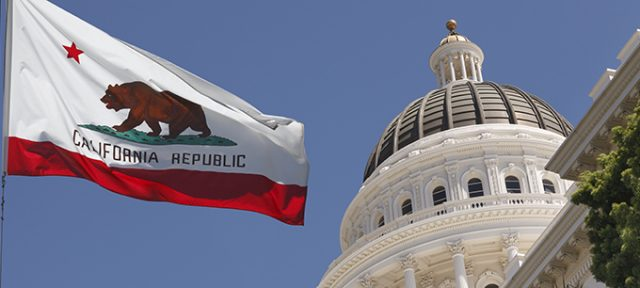 GettyImages-capitol-CA-flag